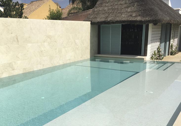 piscinas con mosaico