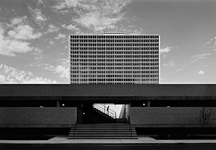 East Tower - Lafayette Park - Detroit Mies - Learn Architectural Photography