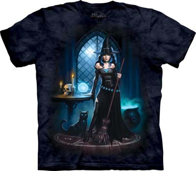 Witch's Lair medium t-shirt