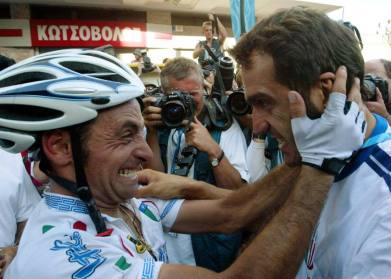 L'abbraccio tra Paolo Bettini ed il CT Franco Ballerini, scomparso nel 210