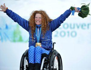 Francesca Porcellato esulta per la medaglia conquistata