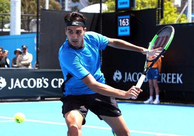 Federer torna avanti, suo anche il terzo set