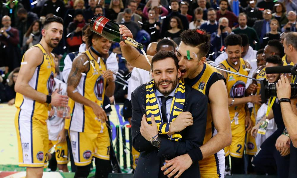 Basket Final Eight: vince Torino, in finale contro Brescia