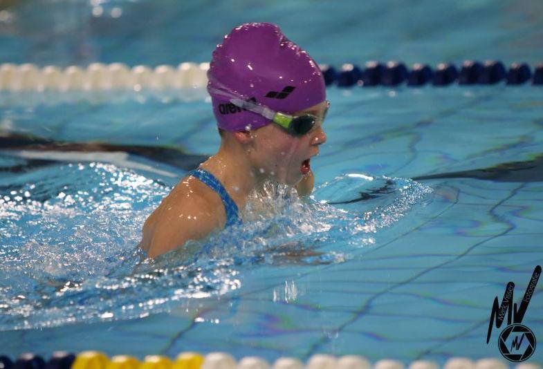 Records Biesboschzwemmers tijdens competitiewedstrijd