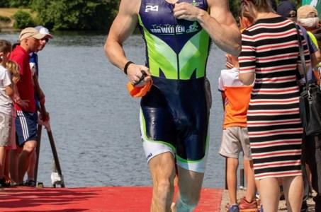 Robin negende in Hoeksewaard triathlon