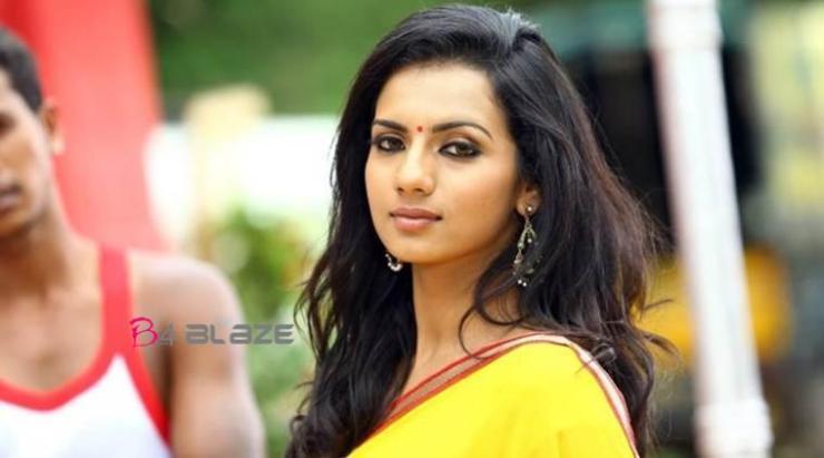 Sruthi Hariharan: