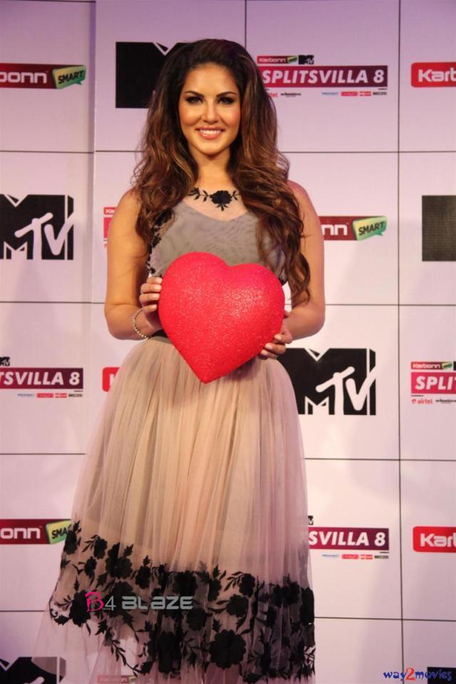 Sunny Leone in Awards Function