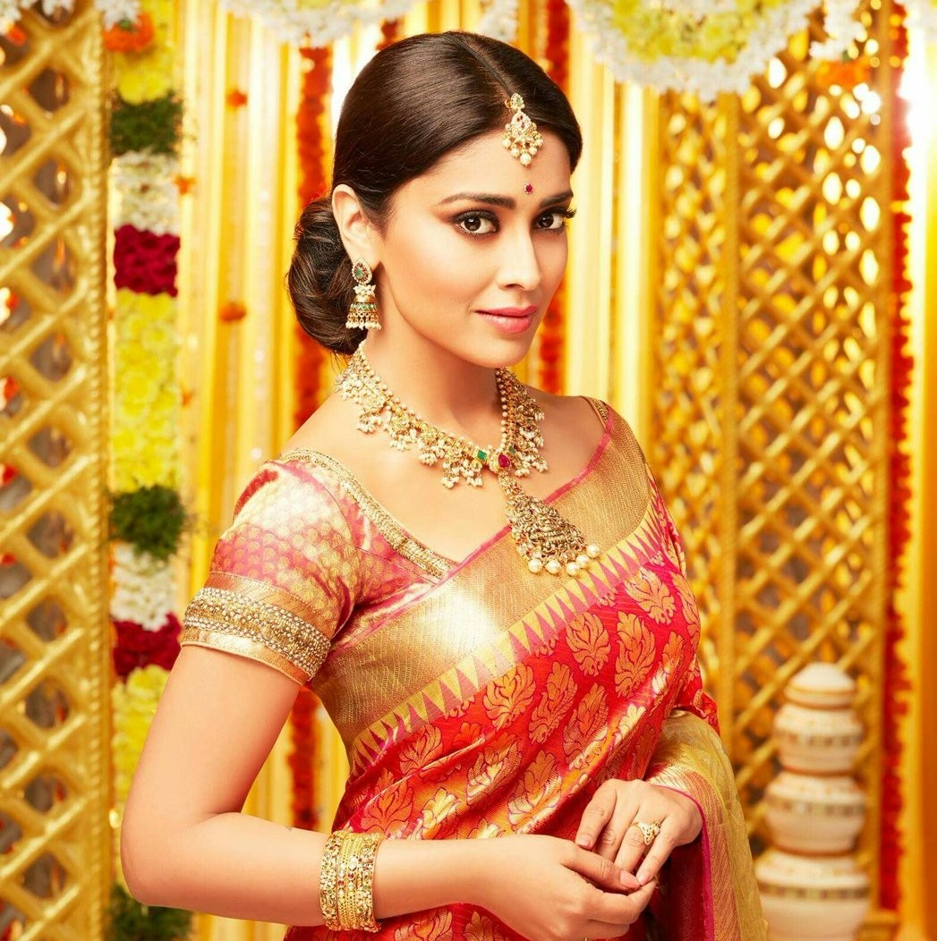 Shriya Saran in red Saree