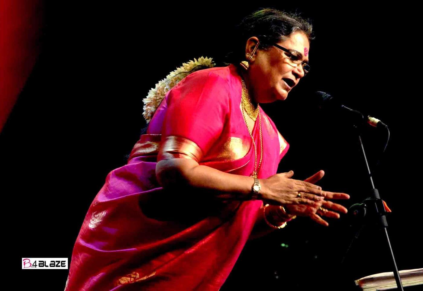 usha uthup on the stage