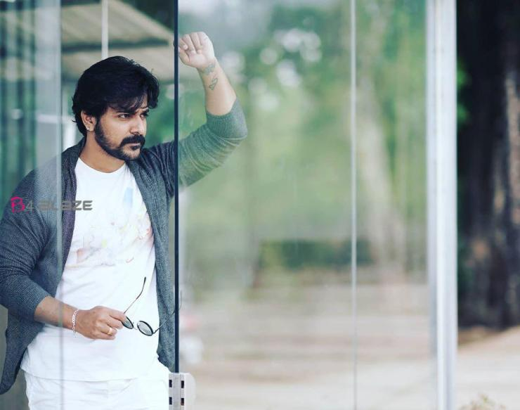 Srinish Aravind Photos