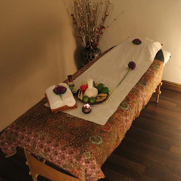 thai massage room makeup tattoo hull