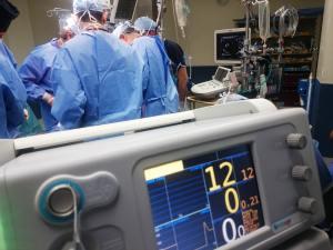 चिकित्सकों का इलाज विश्वास पर आधारित हो या कटु अनुभवों पर?