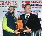 getting award from Prakash Jadvekar