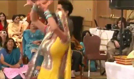 Pakistani Wedding Groom bride best dance