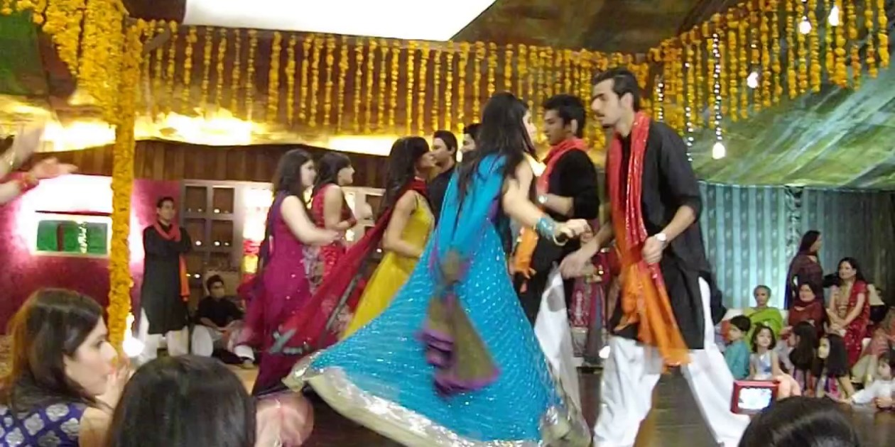 PAKISTANI WEDDING DANCE