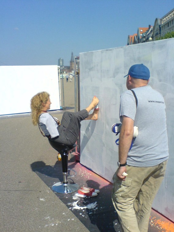 Aktion Mensch Düsseldorf Rheinufer Graffiti Workshop 2006
