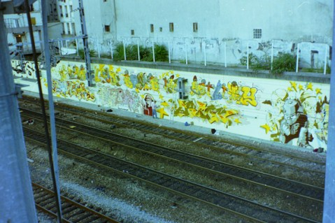 The yellow wall @ Paris Gare du Nord 1994