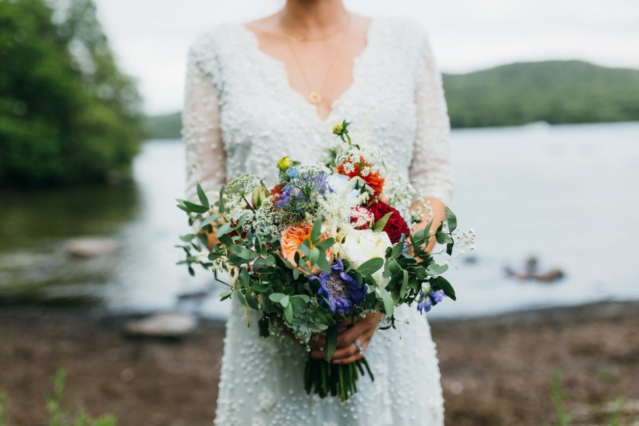 Emma Beaumont bride and bouquet