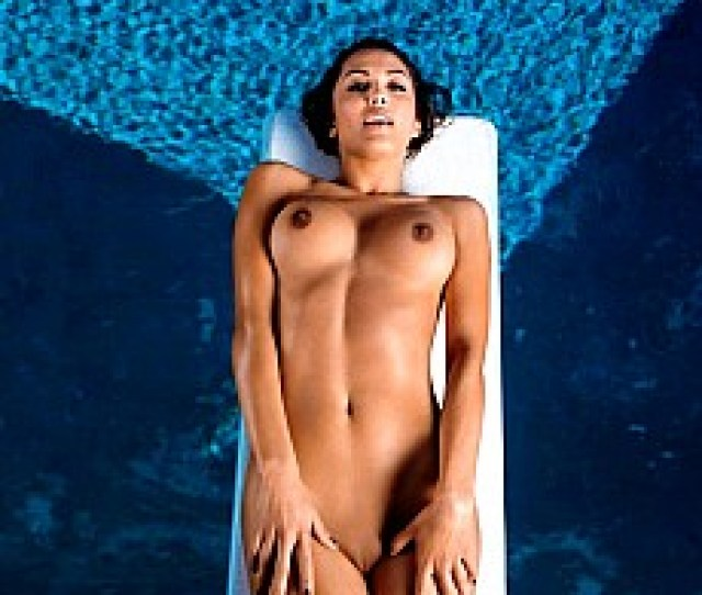 Sexy Playmate Raquel Pomplun In Hot Nude Gallery