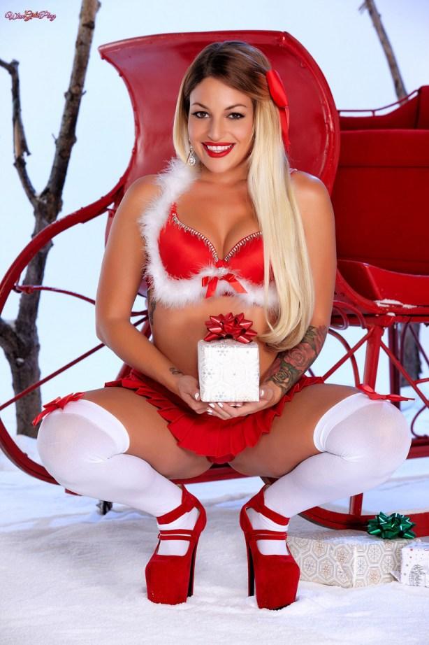 Twistys Dani Daniels & Kissa Sins in Santa's Ride 1