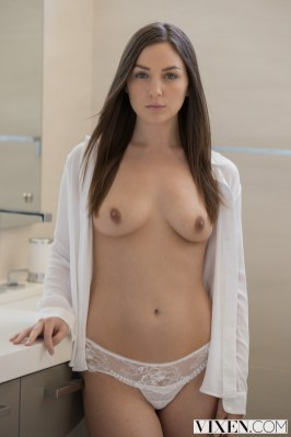 Vixen Pepper Xo in Young Babysitter Seduces Dad with Christian Clay 4