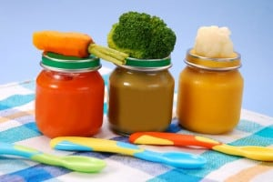 Homemade Baby Food Using Natural Vegetables and Fruits