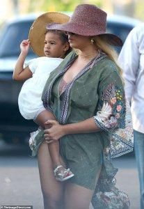 Beyonce and Rumi Carter