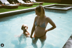 Sophie Turner shares bump photos