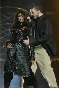 Justin Timberlake apologizes to Janet Jackson and Britney Spears