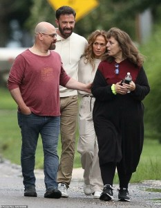 Jennifer Lopez and Ben Affleck take a stroll in the Hamptons