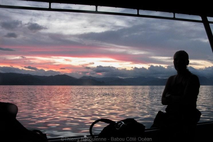 Coucher de soleil sur la Chaîne, vu de l'îlot Hienga - Hienghène