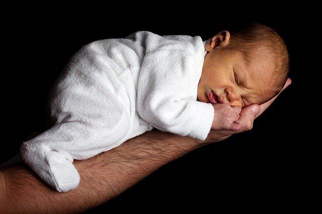 VOORSPELLING: DIT WORDEN DE POPULAIRSTE BABYNAMEN IN 2021!
