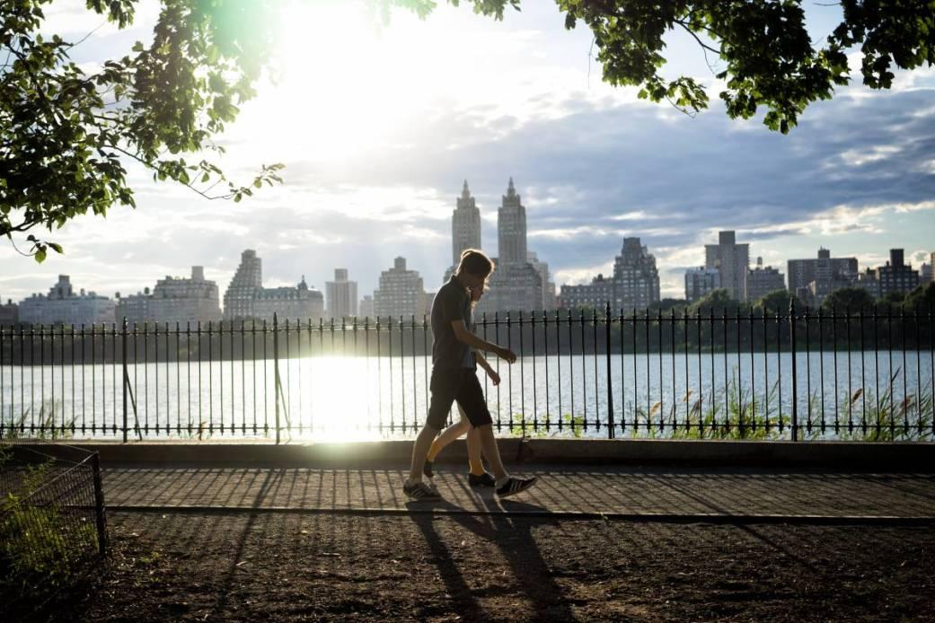 How to start the day full of energy, morning walk