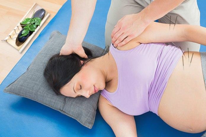Parto naturale: come si svolge, pro e contro - agopuntura