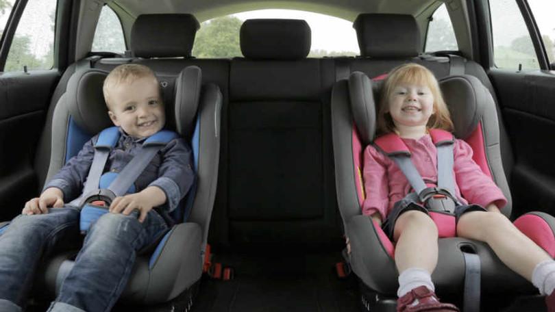 Gruppo 1//2//3   da 9 mesi a 12 anni circa KIDUKU Seggiolino Auto per Bambini Ecopelle 9-36kg Nero con ISOFIX