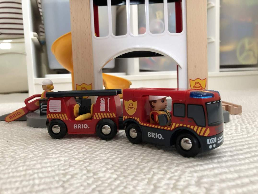 BRIO fire station with fire engine in front