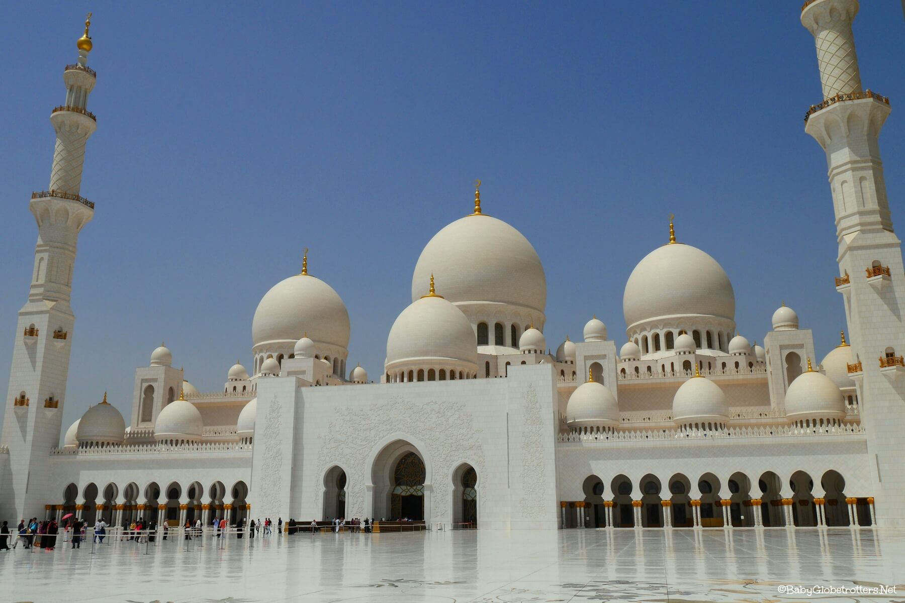 Sheikh Zayed Grand Mosque With Kids
