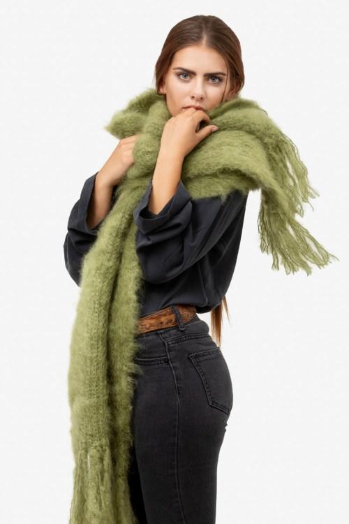 Model-Snuggle-Olive