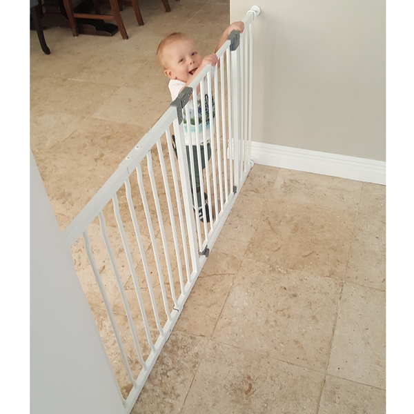 dreambaby-liberty-xtra-wide-hallway-gate-with-36cm-extension