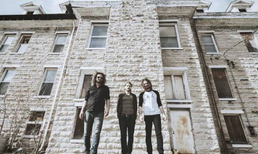 """No Country For New Nashville says that The Wans """"are setting the pace in Nashville's exploding rock scene."""""""