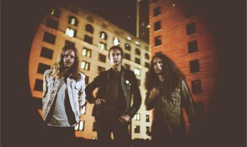 """No Country For New Nashville premieres Tesla Rossa's """"Kinetic"""""""