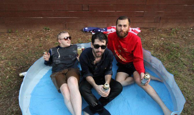 """Alt Citizen premieres Lowbanks' new single """"Street Rat"""""""
