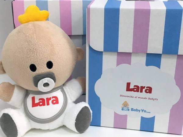 Muñeco de peluche bebé babyyo personalizado