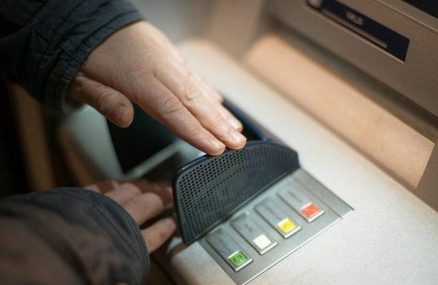 Cara Mengatasi ATM Mandiri Terblokir