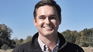 Illinois GOP State Rep Resigns After Being Busted Using Girlfriends Nude Pics To Catfish Guys
