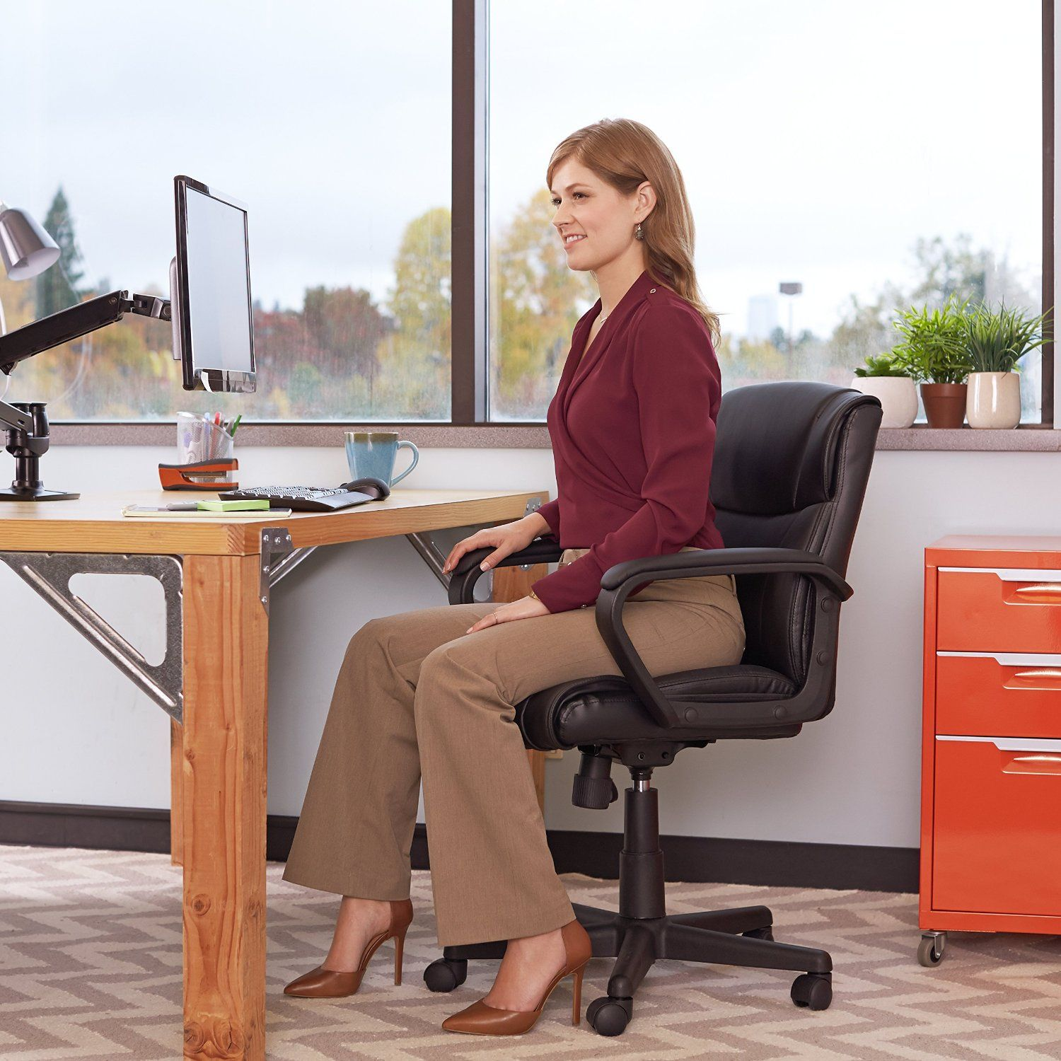 AmazonBasics_Mid-Back_Office_Chair