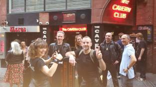 outside-cavern-club