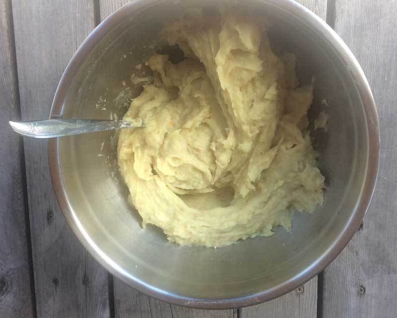 Dehydrated mashed sweet potatoes {coconut free, AIP, Paleo}