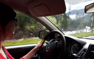 Route vers Mariposa pour aller à Yosemite Park