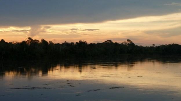 Couché de soleil sur l'Amazonie Péruvienne